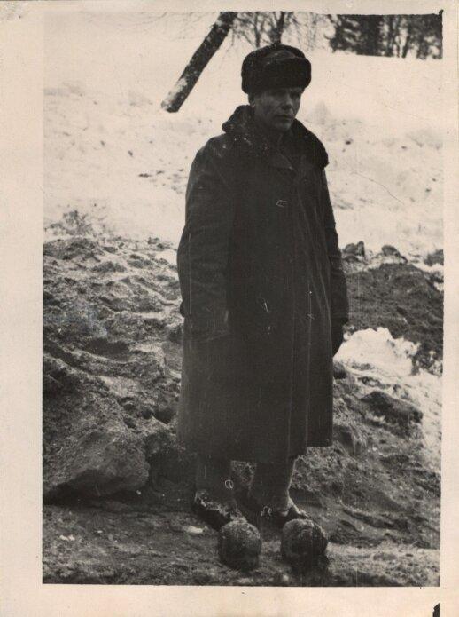 Kaltinamasis Adomas Lunius žudynių vietoje Linkmenyse, 1960 m.