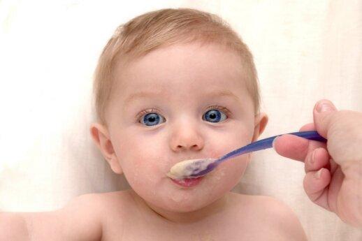 Kaip išmokyti vaiką valgyti savarankiškai