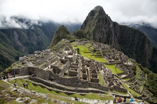 Tamsioji populiarių turistų traukos vietų pusė