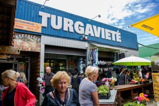 Turgaus prekeiviai giriasi uždirbantys ir po 500 eurų per dieną