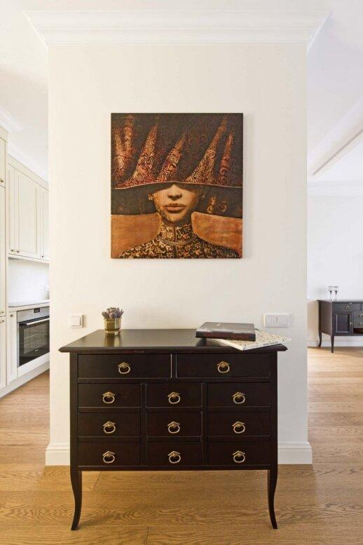 Dviejų aukštų 100 kv.m. butas Vilniuje, kuriame karaliauja klasikinis stilius