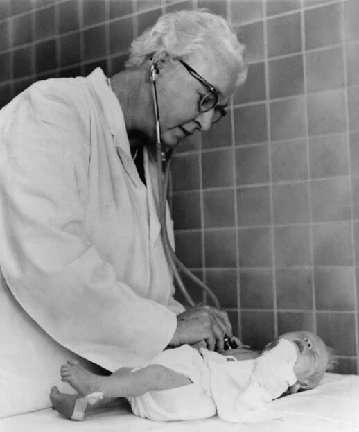 Kiekviena gimdyvė išgirsta šios moters pavardę: kas tokia buvo Virginia Apgar
