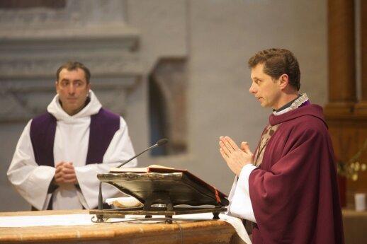 Ričardas Doveika (dešinėje)