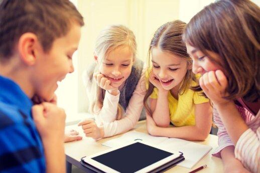 """Kodėl S. Jobsas savo vaikams buvo uždraudęs naudotis """"iPad""""?"""