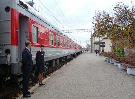 Traukinys į Varšuvą: lietuviams reikalingas, lenkams nelabai