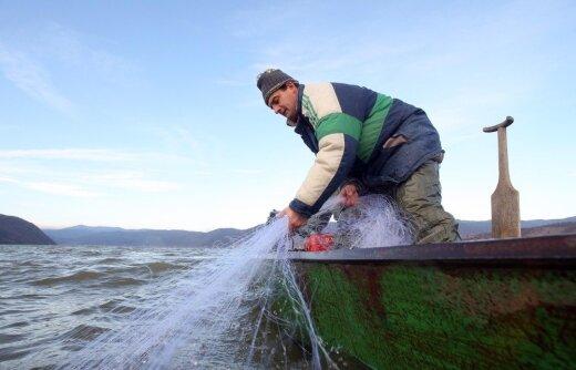Verslinė žvejyba ežeruose nuo 2015-ųjų uždrausta