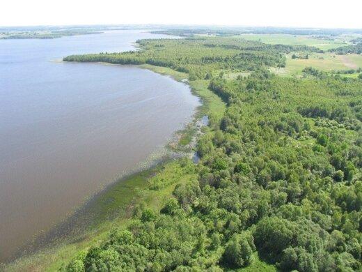Lūksto ežeras/ Varnių regioninio parko nuotr.