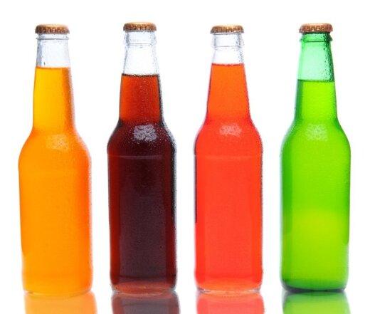 Saldūs gėrimai kenksmingi dėl juose esančių cukraus kiekių