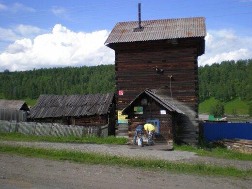 Į šią vietą Sibire gyvenantys žmonės ateina parsinešti geriamojo vandens