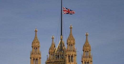 Britanija kovoje su Briuseliu skelbia pergalę dėl vėliavos