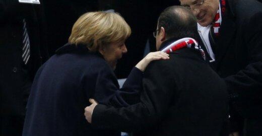 Angela Merkel ir Francois Hollande'as