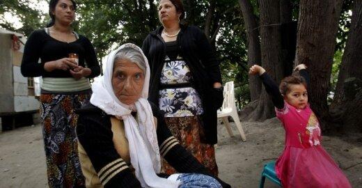 Užvirė aistros dėl romams skirtų pinigų