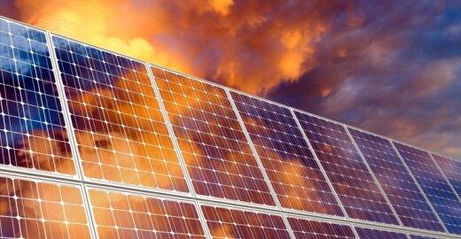 ES pradėjo tarifų karą su Kinija dėl saulės baterijų