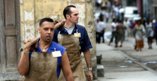 EK siūlo trečiųjų šalių sezoniniams darbuotojams suteikti tokias pačias teises