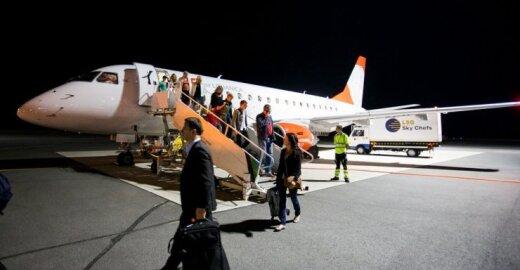Lėktuvų keleivių piniginės papilnės