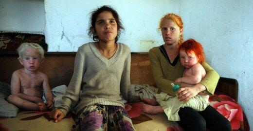Neregistruoti ir nelaukiami: (ne) vieno romų vaiko istorija