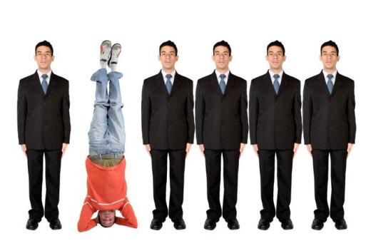 Šiandieninė visuomenė – savęs realizavimas ar praradimas?