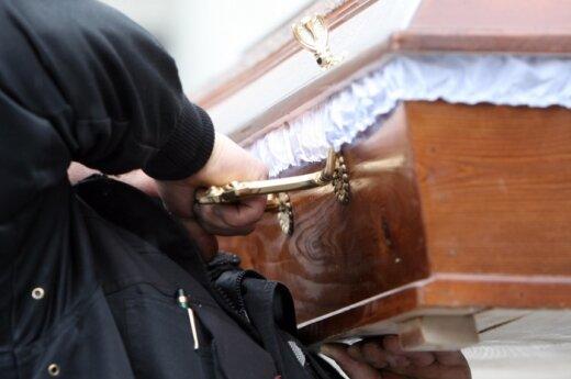 Į bažnyčios laidojimo namus - tik su juose pirktu karstu
