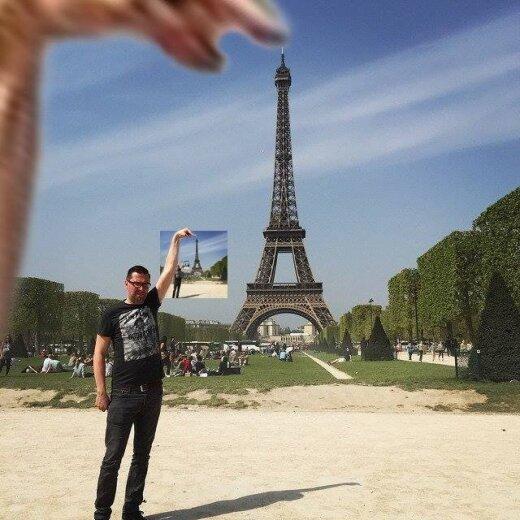 Šitas vyrukas paprašė, kad Eifelio bokštas būtų po jo pirštu ir tada labai smarkiai to pasigailėjo