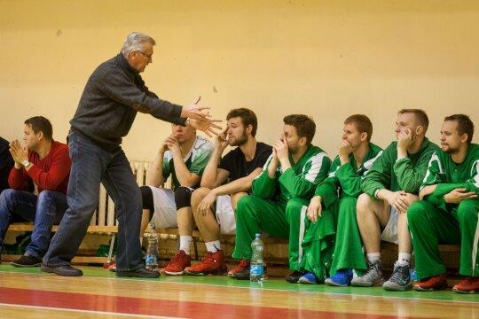 Krepšinio aikštelėje susikaupusias emocijas išreiškia kitais būdais: keiktis beprasmiška