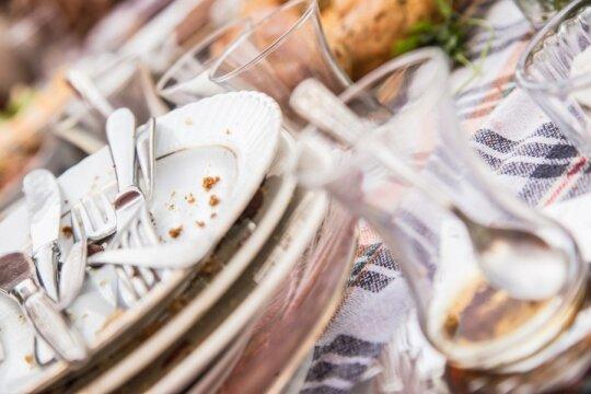 Kelios virtuvės gudrybės, padėsiančios neturintiems laiko gaminti