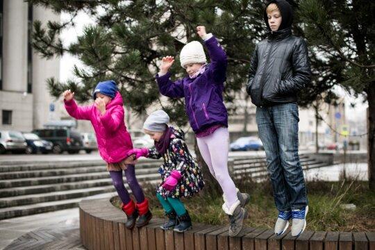 Svajonių mieste negalvoja apie emigraciją: nėra nė vieno nuosavo namo ir per Kalėdas maudosi ežere