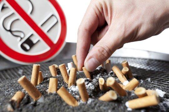 Gydytojos patarimai rūkaliams: kodėl Naujieji metai netinkamas laikas mesti rūkyti