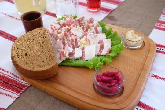 Lėtas mirties romanas virtuvėje: lietuviai suvalgo tris kartus daugiau mėsos nei turėtų