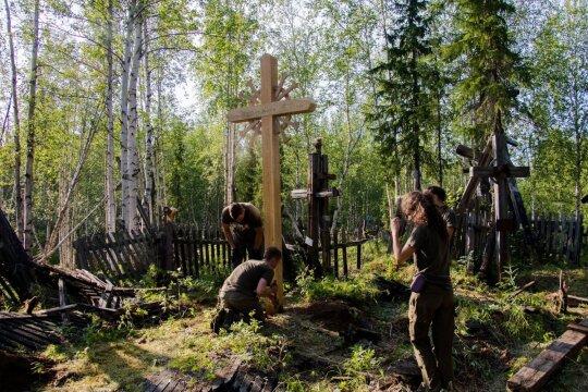 Pastatytas pirmas kryžius