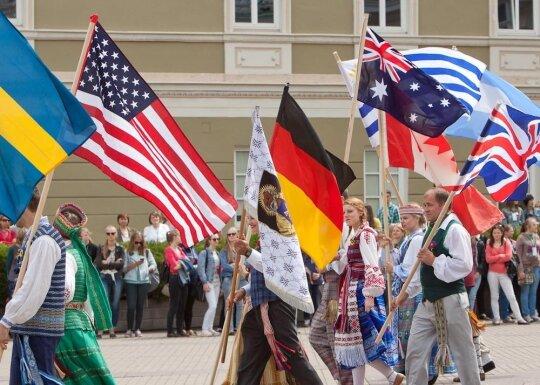 Viso pasaulio Lietuva susitiks Vilniaus rotušės aikštėje