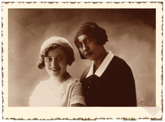 Aldona Ona Krėvaitė ir Marija Ona Rebeka Karak-Mickevičienė / Vinco Krėvės-Mickevičiaus memorialinio muziejaus nuotr.