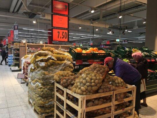 Į Lenkiją apsipirkti išsiruošusių lietuvių laukė dvi nemalonios staigmenos