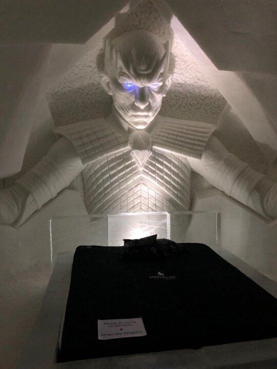 Praleido naktį unikaliame viešbutyje: dėl ekstremalių sąlygų prieš miegą net neleidžia praustis