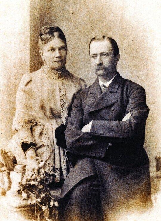 Sofija ir Juozapas Tiškevičiai. Fot. Oto van Bošas. Frankfurtas prie Maino. Apie 1882 m.
