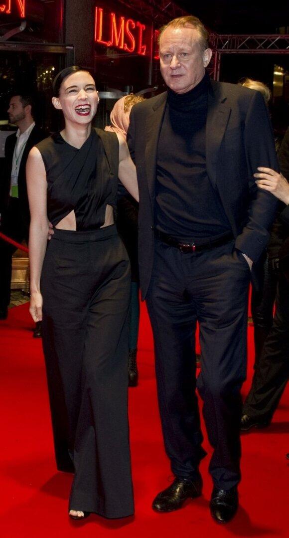 Rooney Mara ir švedų aktorius Stellanas Skarsgardas