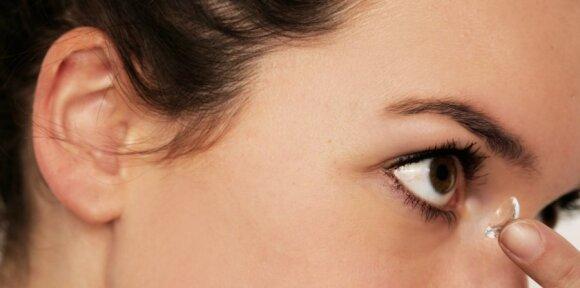 mergina, kontaktiniai lęšiai