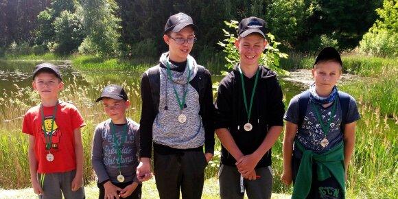 Žūklės varžybų apdovanojimai (Marijampolės jaunųjų meškeriotojų būrelis)