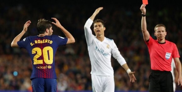 """""""El Clasico"""": Ronaldo ir Messi apsikeitė įvarčiais – """"Barca"""" atsilaikė mažumoje"""