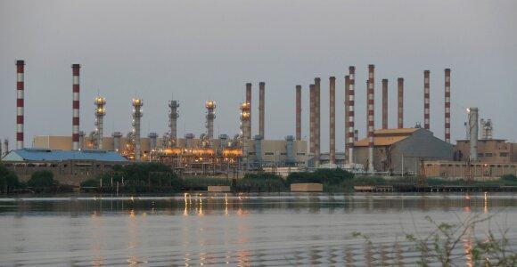 Iranas tvirtina aptikęs 53 mlrd. barelių naujų naftos atsargų