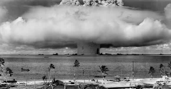 """1946 m. atominė bomba buvo susprogdinta po vandeniu, šis testas pavadintas """"Baker"""""""