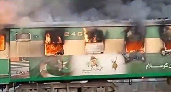 Pakistane per gaisrą traukinyje žuvo 46 žmonės