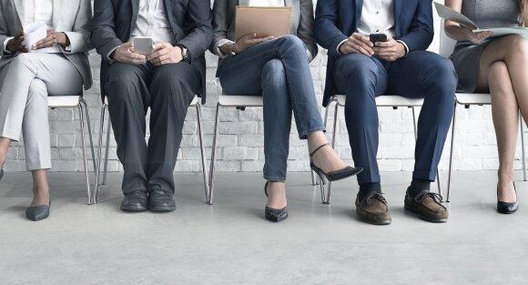 Kaip padaryti, kad moterys imtų uždirbti daugiau?