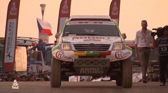 Vaidotas Žala ir Saulius Jurgelėnas ant Dakaro 2019 starto podiumo