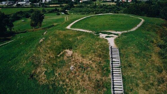 Kartenos piliakalnis Salantų regioniniame parke