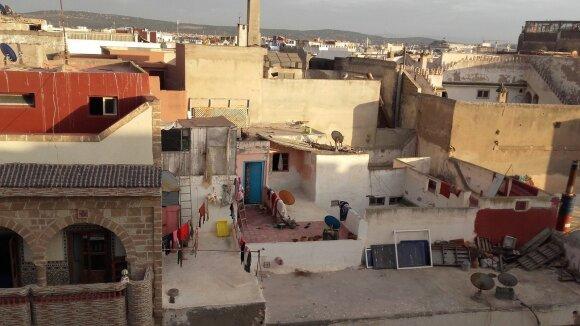 Maroke lietuviai nustebo išvydę maišais alkoholį perkančius vietinius: jiems nepadeda jokie draudimai
