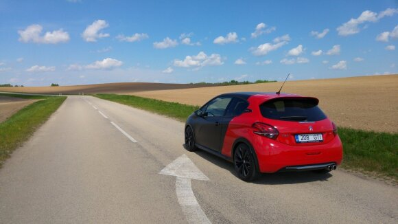 """Peugeot 208 GTI"""
