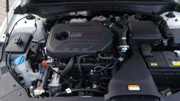 Turbobenzininė versija išvysto 245 AG