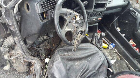 Šilutės rajone kraupi avarija: kaktomuša susidūrė du automobiliai