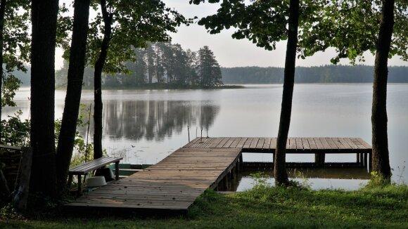 Rytas prie Peršokšnų (Švenčionių raj.) ežero
