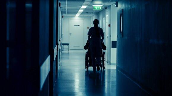 Įbaugintos, pažemintos ir nualintos Šiaulių slaugytojos paviešino, kas vyksta darbe: tai – nuolatinis teroras